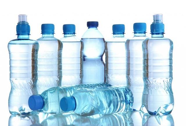 nhiều chai nước kangen đóng chai